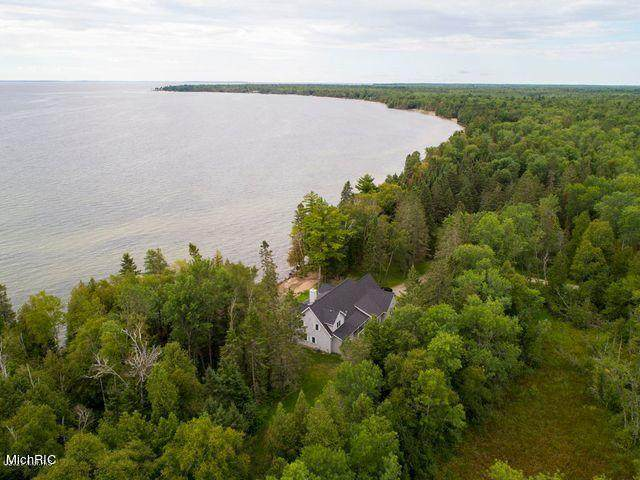 N9322 M-35 Highway, Cedar River, MI 49887 (MLS #21005937) :: BlueWest Properties