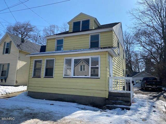 917 W Southern Avenue, Muskegon, MI 49441 (MLS #21006334) :: Deb Stevenson Group - Greenridge Realty