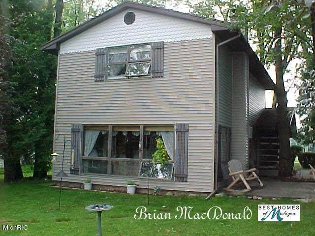 951 S Coolidge Avenue, Six Lakes, MI 48886 (MLS #21006755) :: CENTURY 21 C. Howard