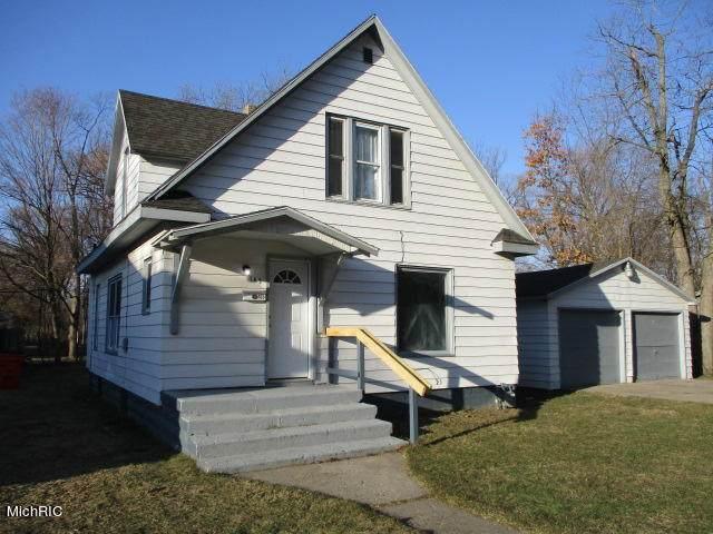 165 Cross Street, Benton Harbor, MI 49022 (MLS #21006768) :: Keller Williams Realty | Kalamazoo Market Center