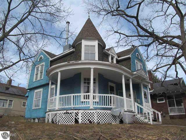 433 E Chapin Street, Cadillac, MI 49601 (MLS #21008681) :: Deb Stevenson Group - Greenridge Realty