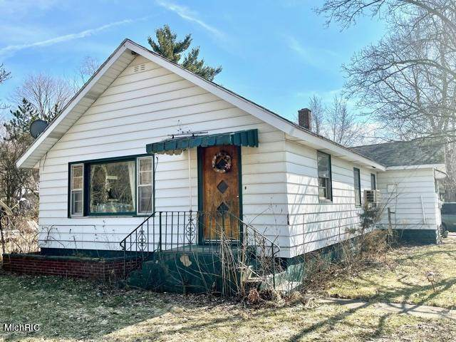 13315 State Street, New Troy, MI 49119 (MLS #21009163) :: Keller Williams Realty | Kalamazoo Market Center