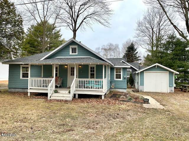 3139 N Lakeshore Drive, Ludington, MI 49431 (MLS #21010427) :: Keller Williams Realty | Kalamazoo Market Center