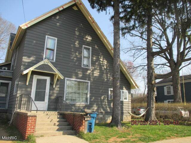 434 Trowbridge Street, Allegan, MI 49010 (MLS #21010768) :: Deb Stevenson Group - Greenridge Realty