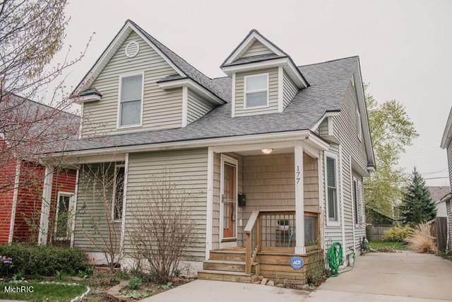 177 W 14th Street, Holland, MI 49423 (MLS #21012026) :: JH Realty Partners