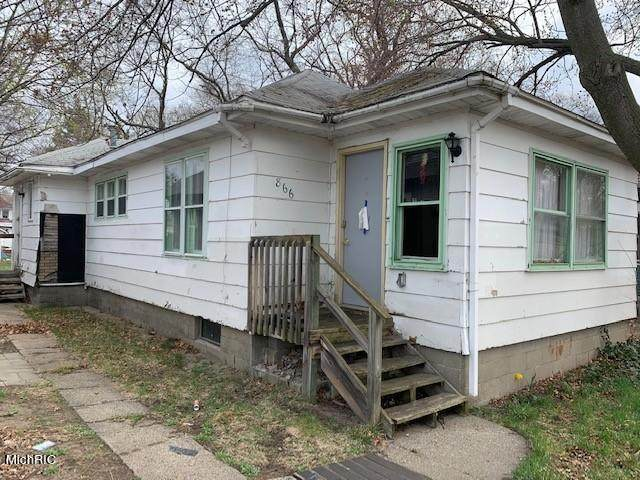 866 E Forest Avenue, Muskegon, MI 49442 (MLS #21012843) :: JH Realty Partners