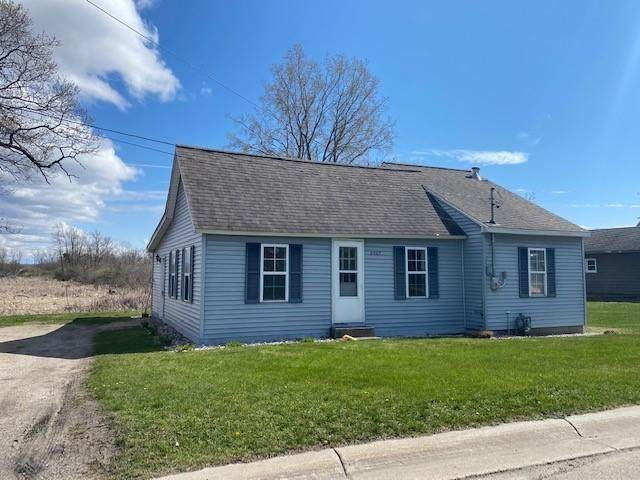 2665 Celery Lane, North Muskegon, MI 49445 (MLS #21013563) :: Your Kzoo Agents