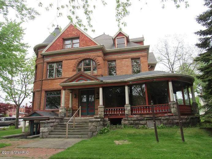 110 Pleasant Street - Photo 1