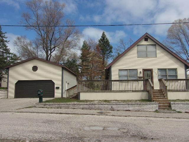 294 Sixth Avenue, Manistee, MI 49660 (MLS #21014236) :: Deb Stevenson Group - Greenridge Realty