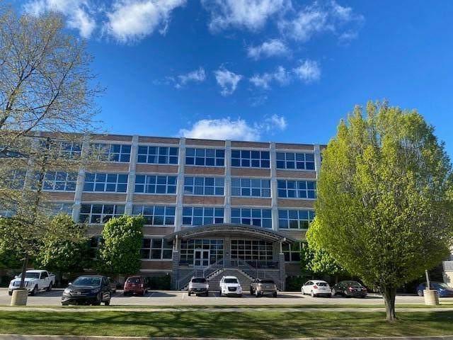 930 Washington Avenue 5C, Muskegon, MI 49441 (MLS #21016707) :: Deb Stevenson Group - Greenridge Realty