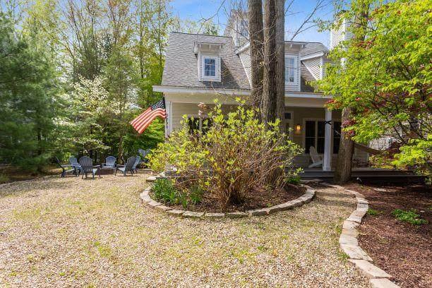 9990 Cottage Lane, Union Pier, MI 49129 (MLS #21016836) :: Keller Williams Realty | Kalamazoo Market Center