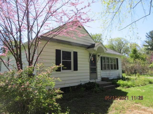 455 N 10th Street, Plainwell, MI 49080 (MLS #21018596) :: Deb Stevenson Group - Greenridge Realty