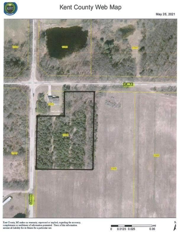 13646 21 Mile Road NE, Greenville, MI 48838 (MLS #21021029) :: Ginger Baxter Group