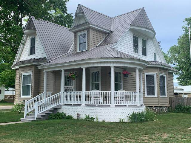 546 N Main Street, Evart, MI 49631 (MLS #21021690) :: BlueWest Properties