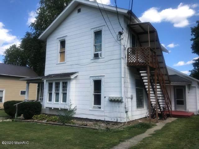 207 Grove Street, Hudson, MI 49247 (MLS #21022042) :: Deb Stevenson Group - Greenridge Realty