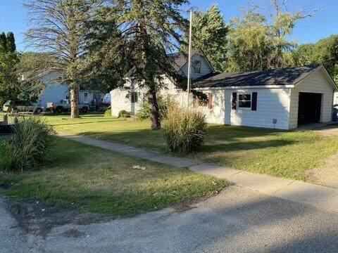 407 Russell Street, Middleville, MI 49333 (MLS #21024000) :: BlueWest Properties
