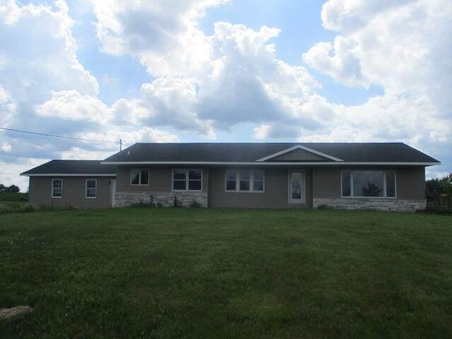 1531 N Gravel Ridge Road, Trufant, MI 49347 (MLS #21025929) :: Ron Ekema Team