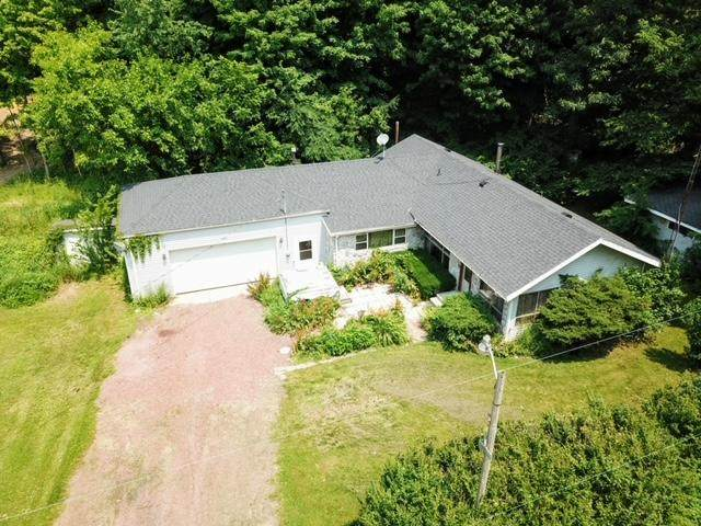 1400 North Drive, Hillsdale, MI 49242 (MLS #21026212) :: JH Realty Partners