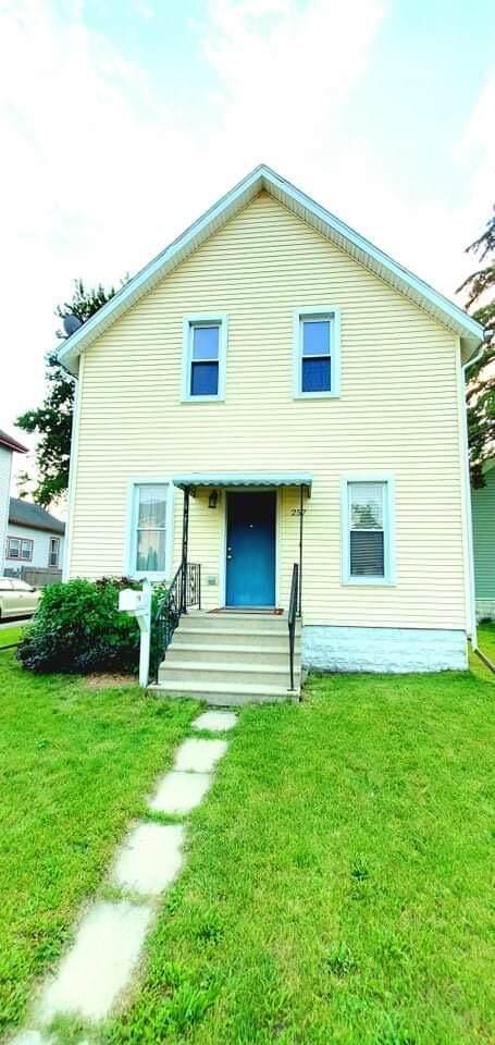 257 N Grant Street, Bay City, MI 48708 (MLS #21026441) :: BlueWest Properties