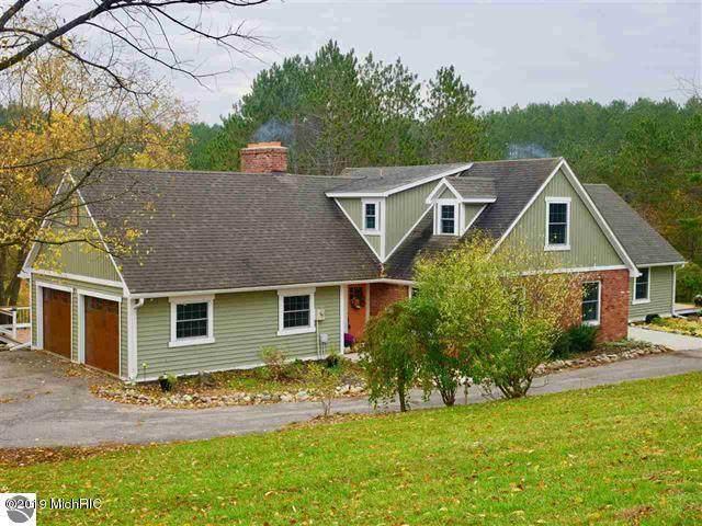 10903 45 Road, Cadillac, MI 49601 (MLS #21027596) :: BlueWest Properties