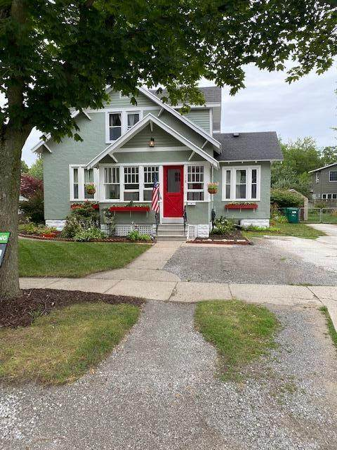118 Maple Terrace, Spring Lake, MI 49456 (MLS #21033871) :: Ron Ekema Team