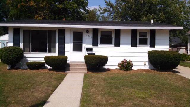 1319 Waverly Avenue, Grand Haven, MI 49417 (MLS #21097192) :: Deb Stevenson Group - Greenridge Realty