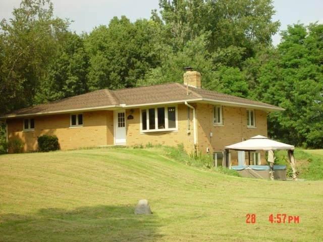 7625 Seymour Rd, Grass Lake, MI 49240 (MLS #21097715) :: Deb Stevenson Group - Greenridge Realty