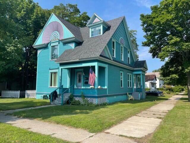 202 S Washington Avenue, Ludington, MI 49431 (MLS #21098305) :: BlueWest Properties