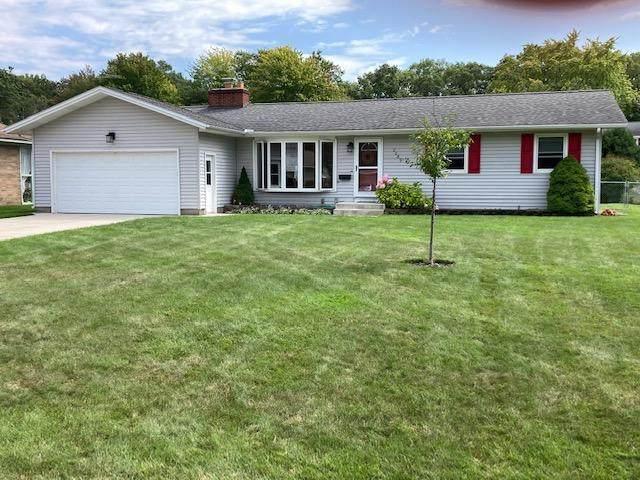 2089 Garland Drive, Norton Shores, MI 49441 (MLS #21098312) :: BlueWest Properties