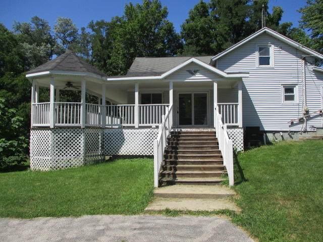 6330 Territorial Road, Benton Harbor, MI 49022 (MLS #21100667) :: Sold by Stevo Team | @Home Realty