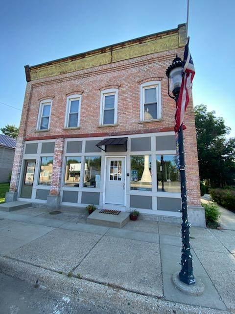 130 N Paw Paw Street, Lawrence, MI 49064 (MLS #21101008) :: Sold by Stevo Team | @Home Realty