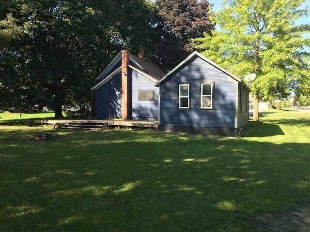 416 East Maple St, Mcbain, MI 49657 (MLS #21108410) :: Deb Stevenson Group - Greenridge Realty