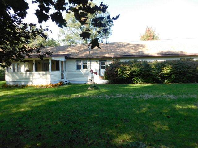 2694 E Holton Whitehall Road, Twin Lake, MI 49457 (MLS #21108964) :: Sold by Stevo Team | @Home Realty