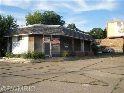 415 E Main Street, Benton Harbor, MI 49022 (MLS #21109382) :: The Hatfield Group