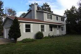 8601 S 43 Mile Road, Cadillac, MI 49601 (MLS #21110179) :: The Hatfield Group