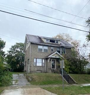 902 1st Street, Jackson, MI 49203 (MLS #21110773) :: The Hatfield Group