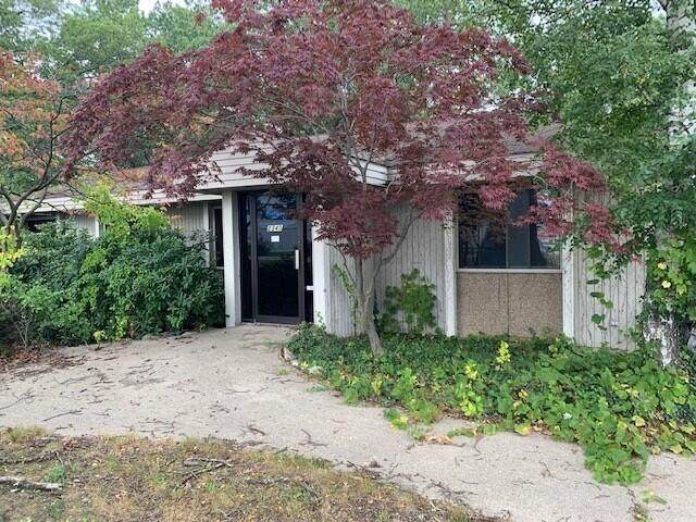 2340 Glade Street, Muskegon Heights, MI 49444 (MLS #21111051) :: Sold by Stevo Team | @Home Realty