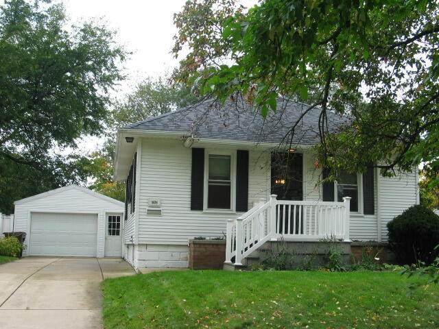1009 Fleming Avenue, Jackson, MI 49202 (MLS #21111073) :: The Hatfield Group