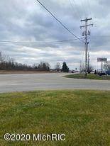 5998 S Greenville Road, Greenville, MI 48838 (MLS #21111211) :: JH Realty Partners