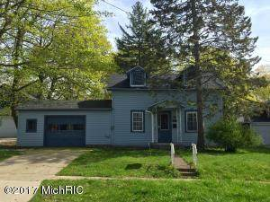 531 Fourth Street, Manistee, MI 49660 (MLS #21111462) :: Sold by Stevo Team   @Home Realty