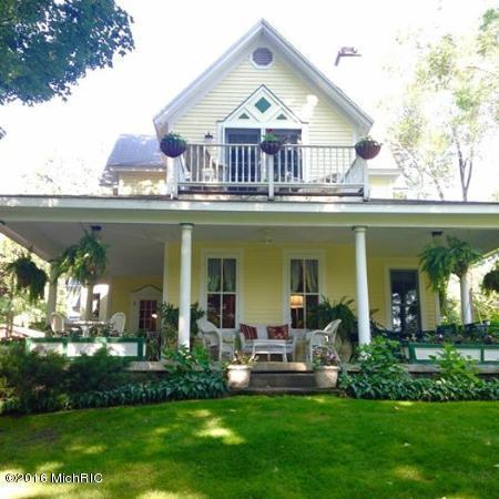 212 Park Street, Bellaire, MI 49615 (MLS #16006693) :: CENTURY 21 C. Howard