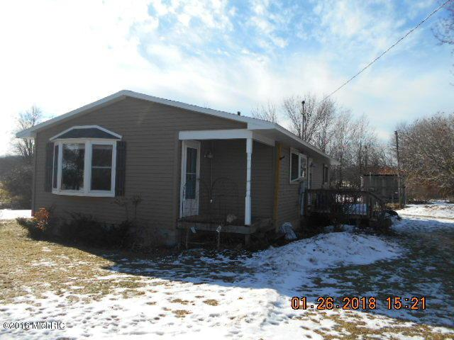 5289 S Schwass Road, Scottville, MI 49454 (MLS #18001511) :: Deb Stevenson Group - Greenridge Realty