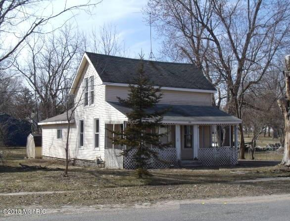 304 N Van Buren Street, Bloomingdale, MI 49026 (MLS #18008536) :: Deb Stevenson Group - Greenridge Realty
