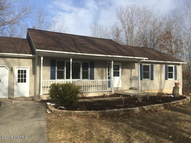 6582 White Pine, Greenville, MI 48838 (MLS #18008780) :: JH Realty Partners