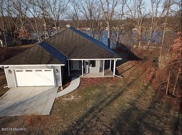 7811 N 39th Street, Augusta, MI 49012 (MLS #18011484) :: Matt Mulder Home Selling Team