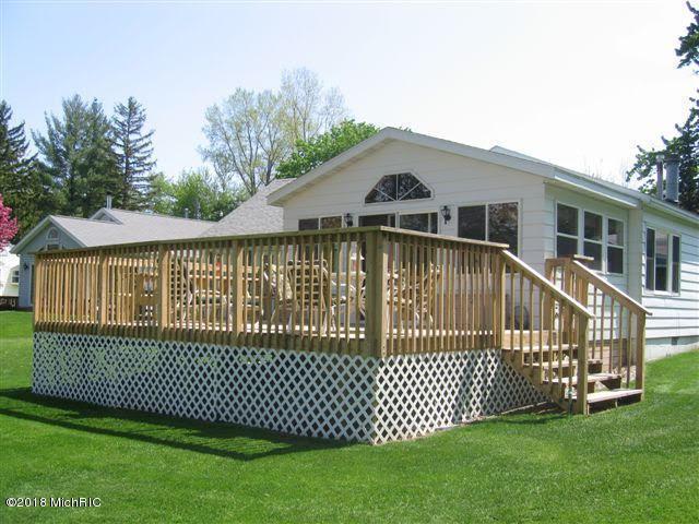 45365 15th Avenue, Bloomingdale, MI 49026 (MLS #18014762) :: Carlson Realtors & Development