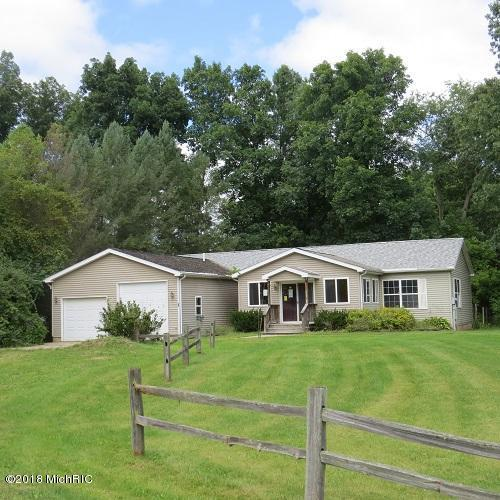 3155 Cowboy Cove Lane, Ionia, MI 48846 (MLS #18017997) :: Deb Stevenson Group - Greenridge Realty
