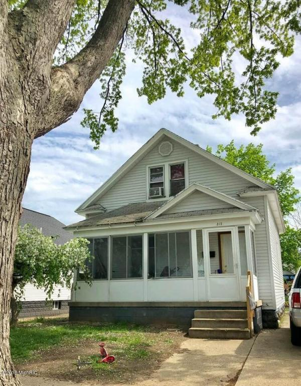 312 W 18th Street, Holland, MI 49423 (MLS #18021948) :: Deb Stevenson Group - Greenridge Realty