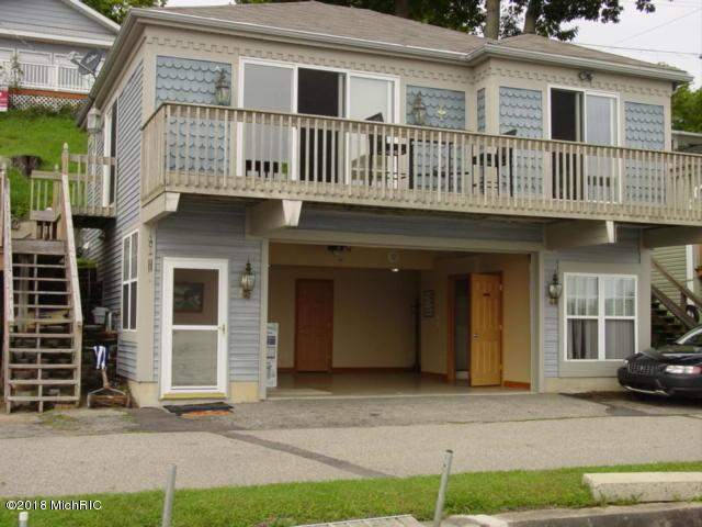 6660 Shoreline Court, Saranac, MI 48881 (MLS #18034285) :: Carlson Realtors & Development