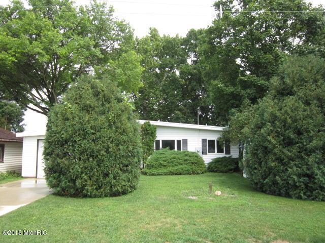717 Gilead Shores Drive, Bronson, MI 49028 (MLS #18038591) :: Deb Stevenson Group - Greenridge Realty
